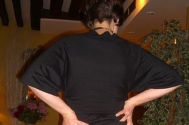 showing bum in hotel lobby