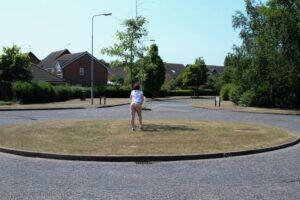 Flashing bum on roundabout
