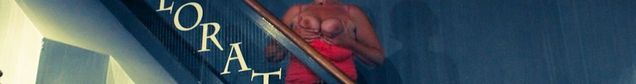Flashing tits in a Passional sex shop in Philadelphia
