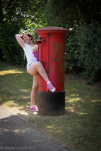 Showing off pussy with postbox