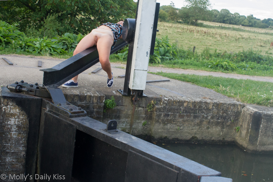 Laying lock gates naked