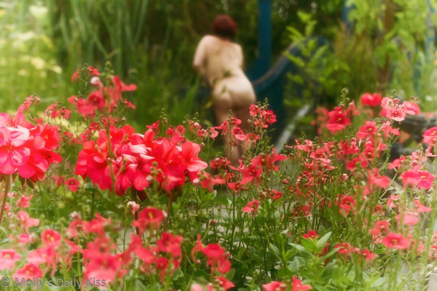 Molly girls nude in summer garden