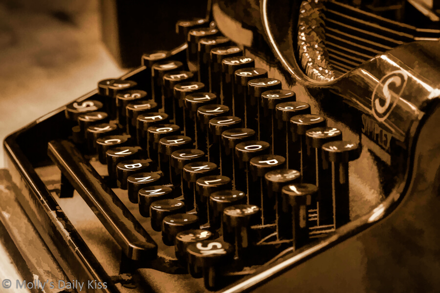 Old fashioned typewriter for Darling Simon